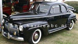Ford V8 6 volt: uit 1943 rem/achterlichten vervangen door led verlichting met aanpassing.