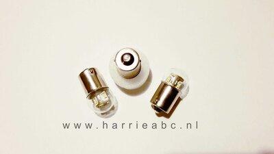 BA15S 6 volt gelijkstroom (DC) massa negatief 10 watt 12 leds in wit, warm wit, amber en rood. (BA15S.12.10.OO.41)